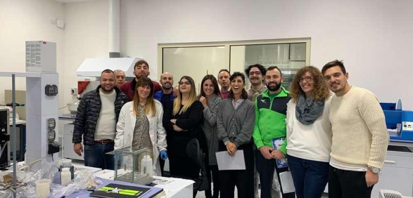 I ragazzi dell'ITS di Solofra alla Stazione Sperimentale per approfondire le tecniche diagnostiche sulla produzione conciaria